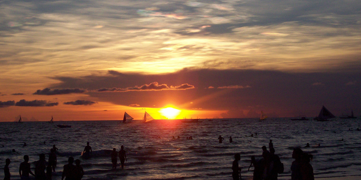 Spellbound Sunrise Beauty In Boracay
