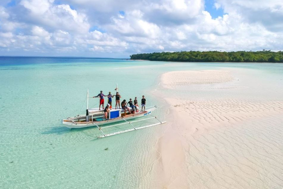 Private Island Hopping Boat Tour and Snorkelling Boat01 Boracay Beach Guide
